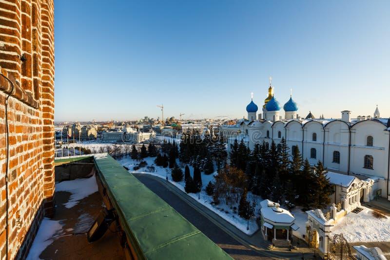 Vista panorâmica do Kul-Sharif e da catedral do aviso, Kazan foto de stock