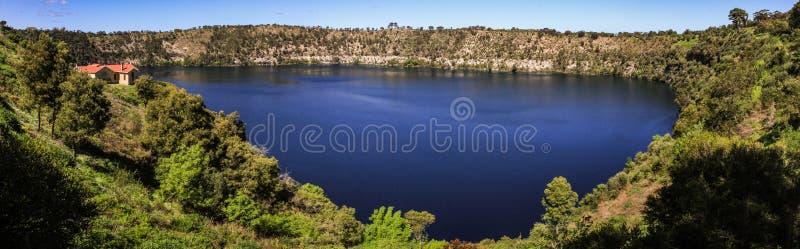 Vista panorâmica do lago azul de Mt Gambier, Sul da Austrália, Austrália fotos de stock