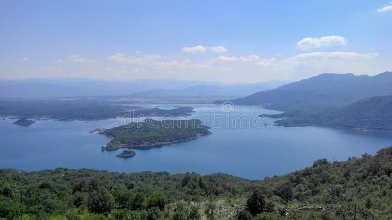 Vista panorâmica do lago, Europa imagem de stock