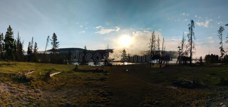 Vista panorâmica do parque nacional de Yellowstone fotografia de stock