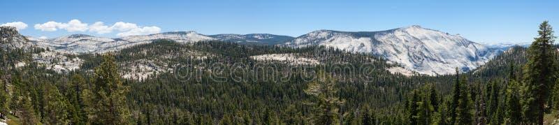 Vista panorâmica do parque nacional de Yosemite em Califórnia fotos de stock royalty free