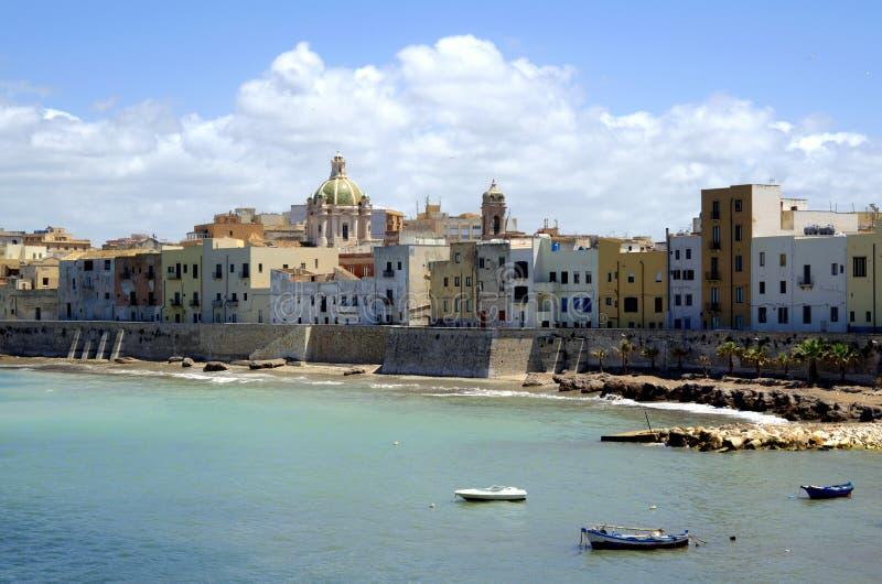 Vista panorâmica do porto antigo Trapani em Sicília, Itália fotografia de stock royalty free