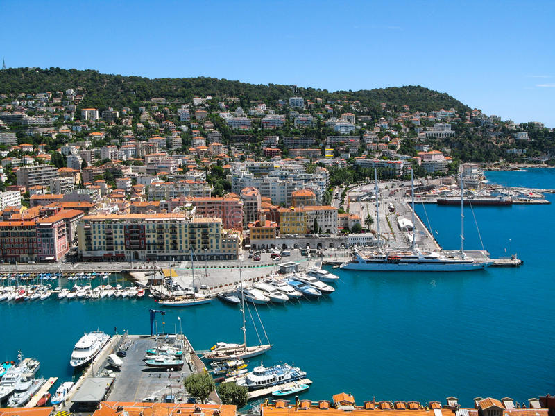 Vista panorâmica do porto em agradável, França fotografia de stock