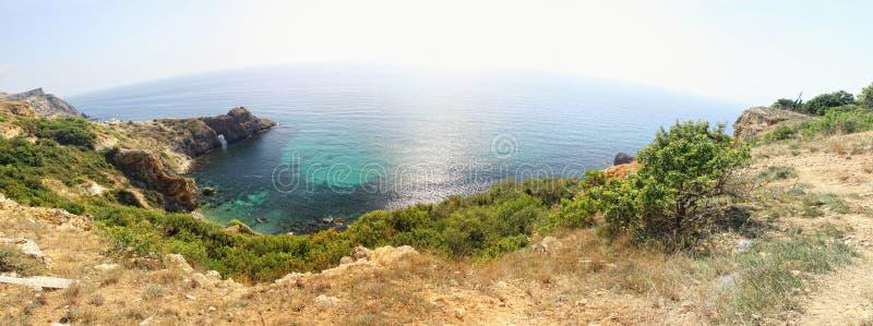 Vista panorâmica do seacoast perto do cabo de Fiolent, Crimeia, Ucrânia imagens de stock