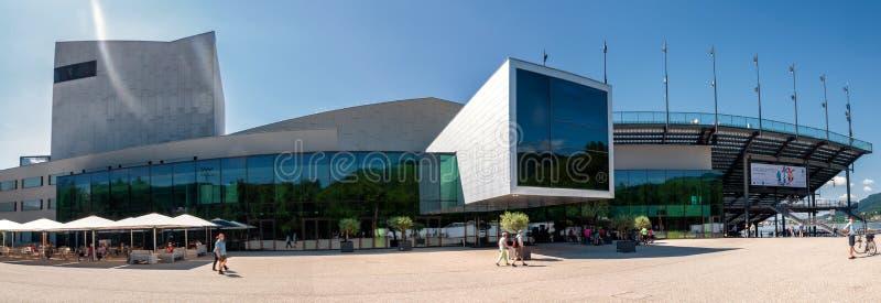 Vista panorâmica do teatro da ópera de Bregenz, Áustria imagem de stock royalty free