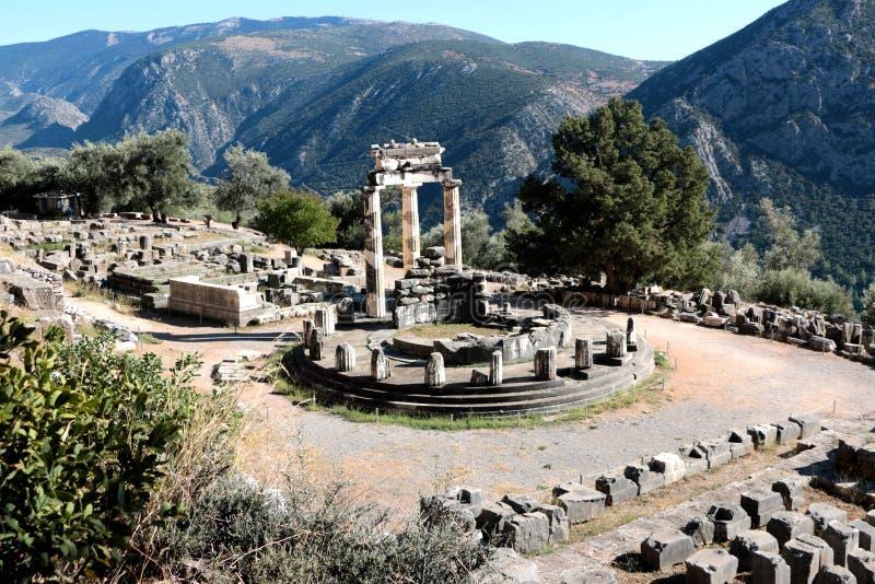 Vista panorâmica do templo de Athena Pronea Delphi Greece foto de stock royalty free