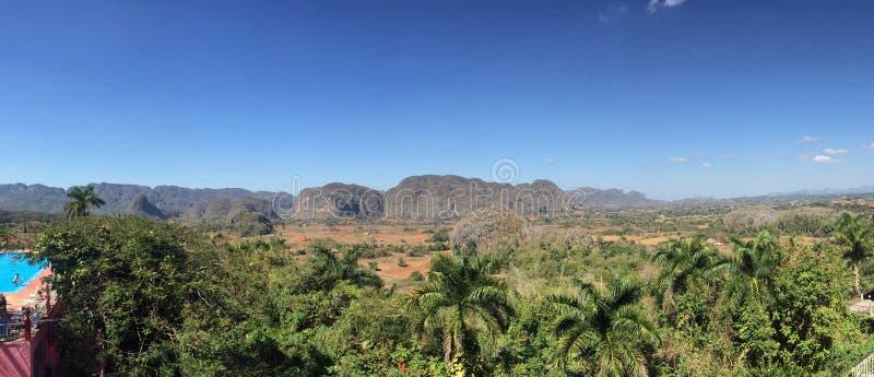 Vista panorâmica do vale de Vinales imagens de stock