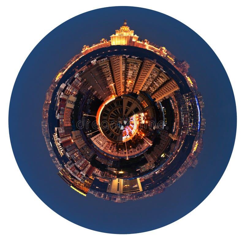 Vista panorâmica esférica de Moscou na noite imagens de stock royalty free