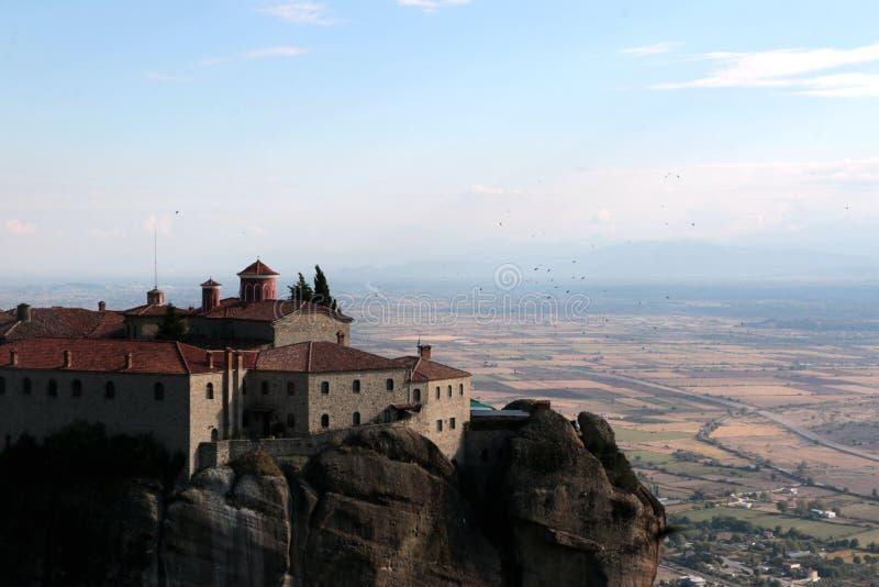 Vista panorâmica no monastério santamente de St Stephen em Meteora, Grécia imagens de stock