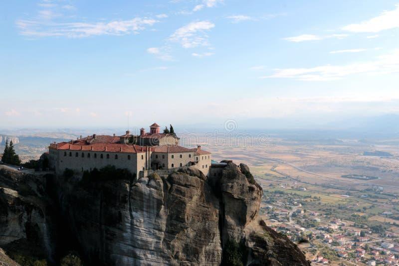Vista panorâmica no monastério santamente de St Stephen em Meteora, Grécia fotografia de stock royalty free