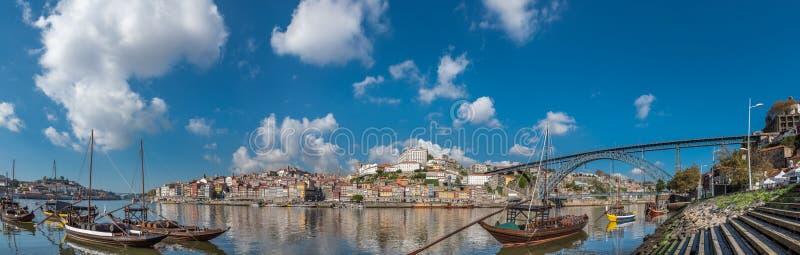 Vista panorâmica no rio Duoro de Porto imagem de stock royalty free
