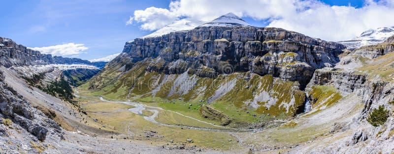 Vista panorâmica no vale de Ordesa, Aragon, Espanha fotografia de stock