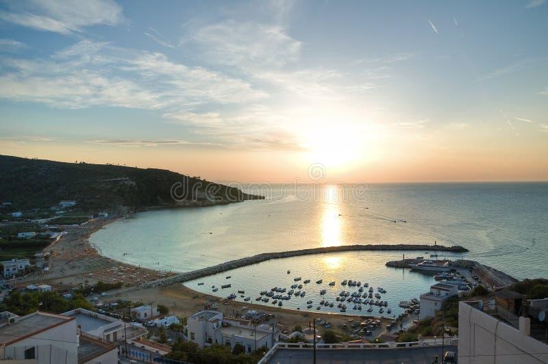 Vista panorâmico de Peschici. Puglia. Italy. fotos de stock royalty free