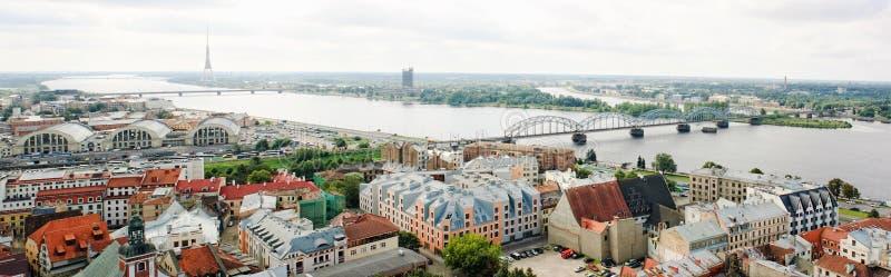 Vista panorâmico de Riga velho, Latvia foto de stock