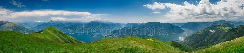 Vista panorâmico do lago Como foto de stock