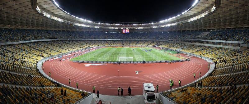 Vista panorâmico do stadiumin olímpico Kyiv foto de stock