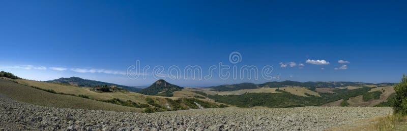 Vista panorâmico perto de Volterra, Toscânia, Italy imagens de stock royalty free