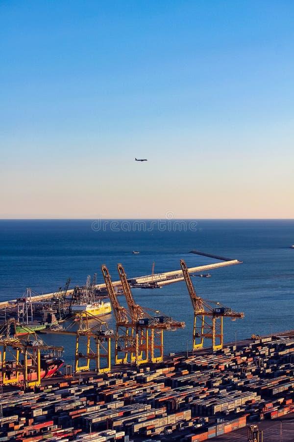 Vista panor?mica do porto em Barcelona fotografia de stock