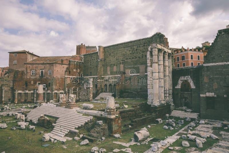 A vista panor?mica do templo de Marte Ultor era um santu?rio antigo em Roma antiga imagens de stock royalty free