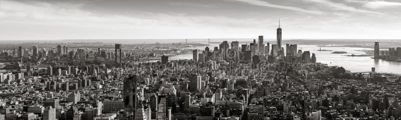 Vista panoramica aerea del Lower Manhattan in bianco e nero, New York fotografie stock