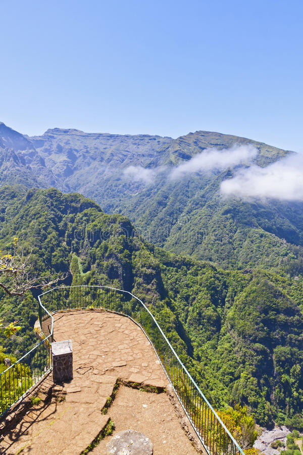 Vista panoramica aerea delle montagne sull'isola del Madera, Portogallo fotografie stock libere da diritti