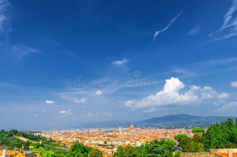 Vista panoramica aerea superiore della città di Firenze con la cattedrale di Santa Maria del Fiore dei Di di Cattedrale del duomo fotografia stock