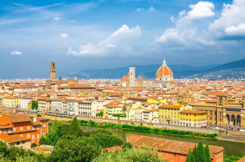 Vista panoramica aerea superiore della citt? di Firenze con la cattedrale di Santa Maria del Fiore dei Di di Cattedrale del duomo fotografie stock