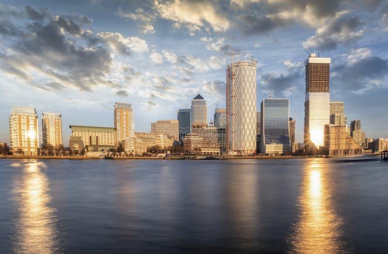 Vista panoramica al distretto di Londra, Canary Wharf, Regno Unito fotografie stock
