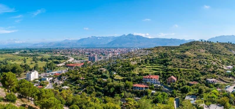 Vista panoramica alla città di Shkodra immagini stock libere da diritti