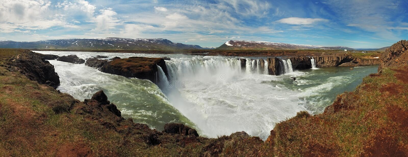 Vista panoramica - cascate di Godafoss in Islanda immagini stock libere da diritti