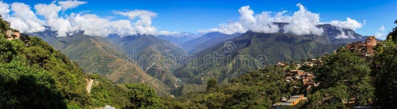 Vista panoramica da Coroico, Yungas, Bolivia immagini stock libere da diritti