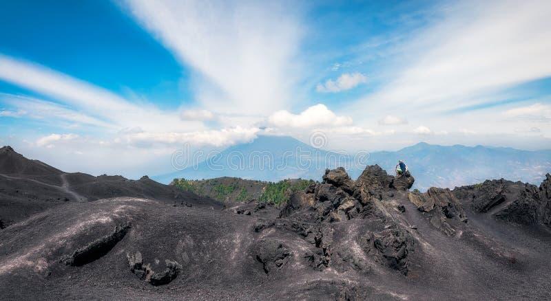 Vista panoramica dalla base di Volcano Pacaya, Guatemala immagini stock