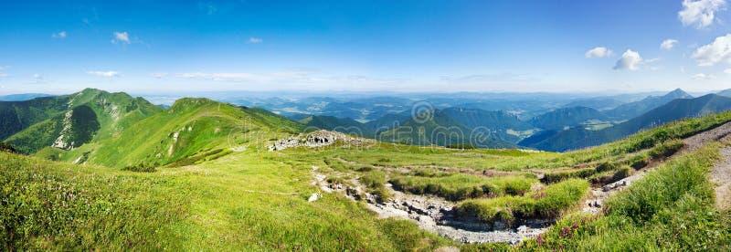 Vista panoramica dalla cresta della montagna fotografie stock