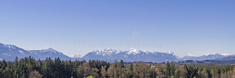 Vista panoramica dalle colline pedemontana delle alpi immagini stock libere da diritti