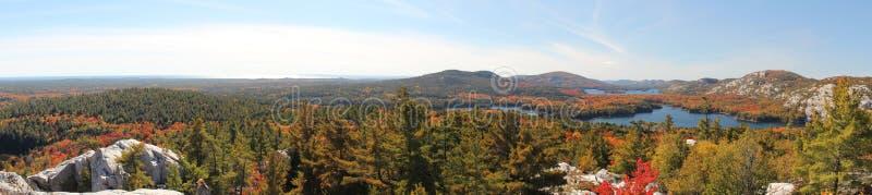 Vista panoramica dei laghi di Killarney in autunno fotografia stock