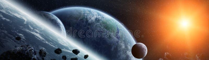 Vista panoramica dei pianeti in sistema solare distante 3D che rende e royalty illustrazione gratis