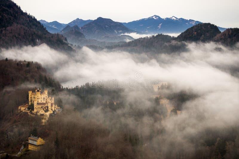 Vista panoramica del castello di Hohenschwangau, Baviera, 2016 immagini stock