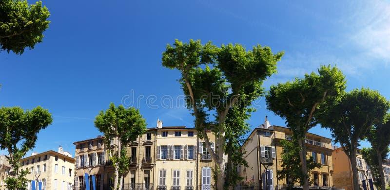Vista panoramica del Cours Mirabeau a Aix-en-Provence fotografia stock