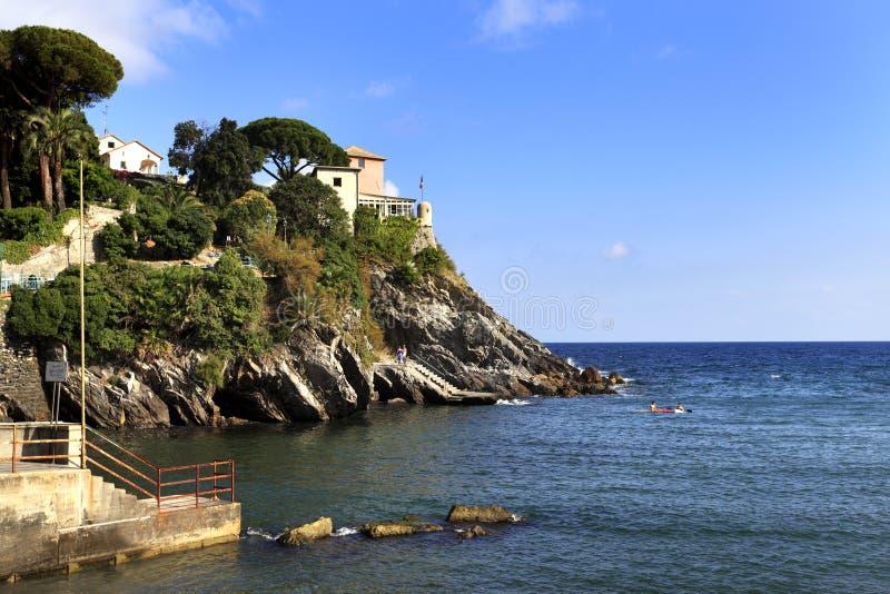 Vista panoramica del distretto della riva di Nervi di Genova, capitale di Ligu fotografie stock