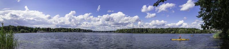 Vista panoramica del fiume di Havel del ther a Potsdam, Berlino, Germania immagine stock libera da diritti