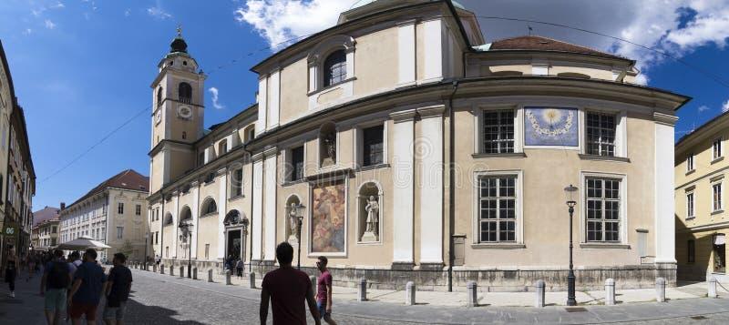 Vista panoramica del lato della cattedrale di San Nicolos, Transferrina, Slovenia fotografie stock libere da diritti