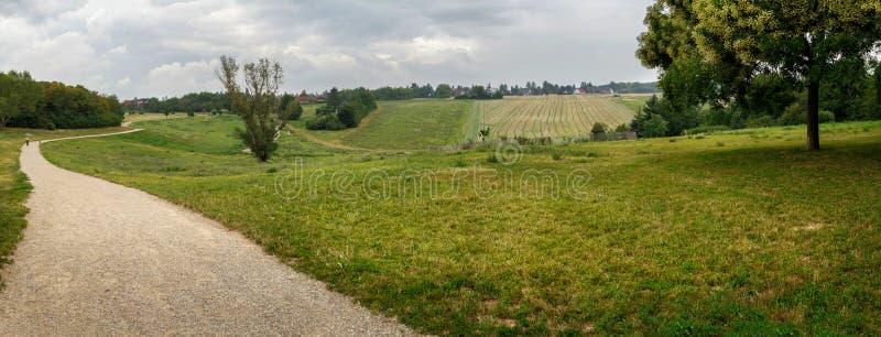 Vista panoramica del parco Loewygrube Vienna, Austria, Europa fotografie stock