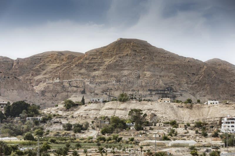 Vista panoramica del supporto della tentazione Jericho Palestinian West Bank fotografie stock