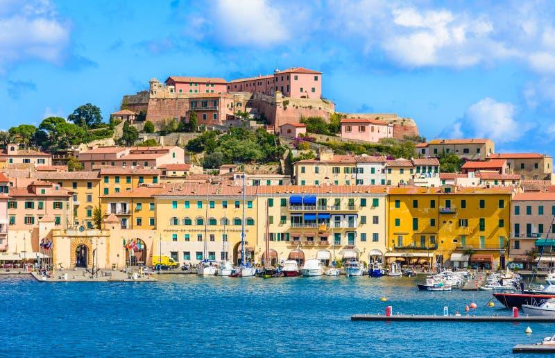 Vista panoramica dell'isola di Elba della costa, Portoferraio, Italia fotografia stock