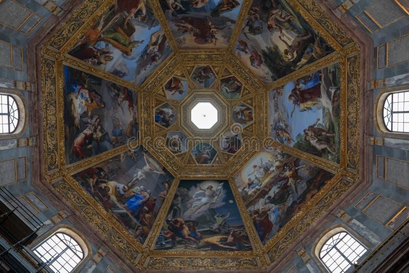 Vista panoramica della cupola interna delle cappelle di Medici (Cappelle Medicee) fotografia stock