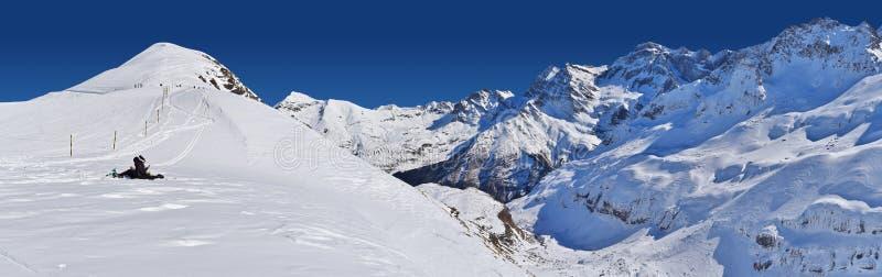 Vista panoramica della stazione sciistica di Gavarnie Gedre fotografia stock