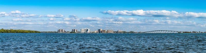 Vista panoramica delle zone costiere nel paesaggio di Punta Rassa immagini stock