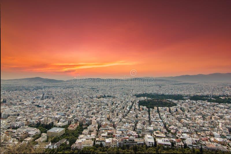 Vista panoramica di Atene in un tramonto fotografia stock libera da diritti
