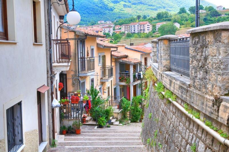 Vista panoramica di Brienza La Basilicata L'Italia fotografia stock