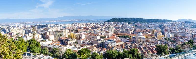 Vista panoramica di Cagliari, capitale della Sardegna, Italia fotografia stock